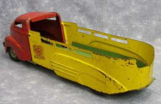 1940s PRE WAR WYANDOTTE Pressed Metal Toy Barn Fresh Tow Truck