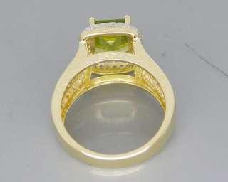 Solid 3.56Ct 14Kt Yellow Gold Diamond Peridot Ring