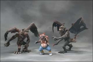 McFARLANE TWISTED LAND OF OZ FLYING MONKEY & MUNCHKIN COLLECTOR CLUB