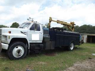 1985 Ford F800 Crane & Utility Service Body Truck