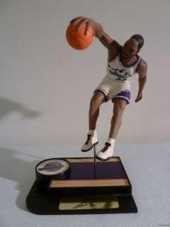 Utah Jazz Karl Malone Number 32 NBA Collectible Desk Figurine RARE