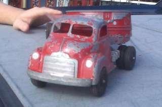 Nice Vintage Hubley Semi Truck Trailer Pressed Steel Toy Wyandotte