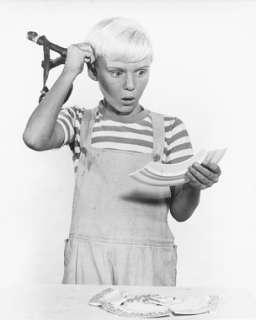 DENNIS THE MENACE JAY NORTH HOLDING PEA SHOOTER PHOTO