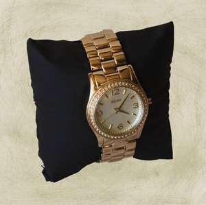 DKNY WOMENS GOLD TONE WRIST WATCH NY8335 $155 RETAIL NWT