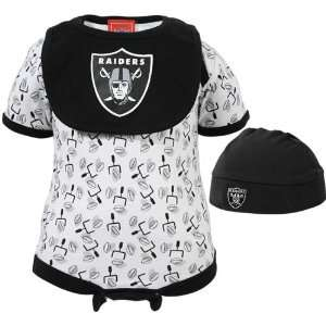 Oakland Raiders Logo 3 Piece Infant Set:  Sports & Outdoors