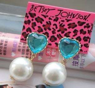 NEW LOVELY FASHION JEWELRY BETSEY JOHNSON STUDS Earring A050