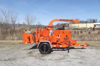 2002 WOODCHUCK HYROLLER 1200 WOOD CHIPPER AUTO FEED !!