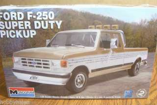 REVELL FORD F 250 SUPER DUTY PICKUP 1/24 SCALE MODEL