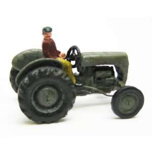 Earth Mover Replica Cast Iron Farm Toy Tractor: Home & Kitchen
