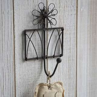 daisy on gate wirework hook single by live laugh love
