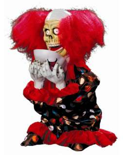 Decorations  /  Animatronics  /  Animated Face Ripping Clown Prop