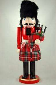 14 Royal Bag Pipe Player Nutcracker Red Tartan Plaid N 14103